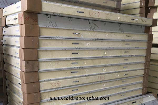 Pu panels for cold storage room