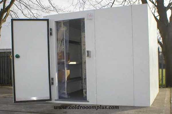 cold room hinged door for cold room run in Colombia