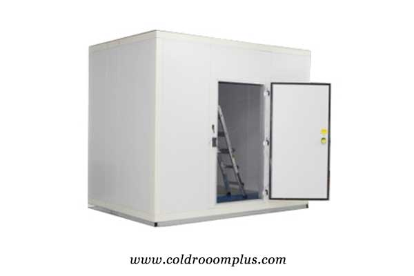cold room hinged door for cold room run in Bahrain