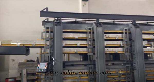 Cold room panels manufacture machine